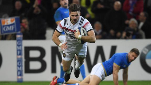 France, meanwhile, notched its first victory of the campaign by defeating Italy 34-17. Hugo Bonneval crossed in the second half to seal the win.