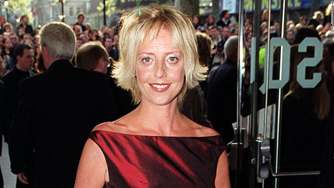 "British actress <a href=""https://www.cnn.com/2018/02/25/entertainment/actress-emma-chambers-dies/index.html"" target=""_blank"">Emma Chambers</a>, who starred alongside Hugh Grant and Julia Roberts in the 1999 movie ""Notting Hill,"" died on February 21, according to her agent. She was 53 years old."