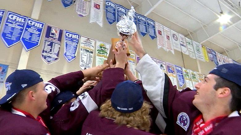 Hockey team dedicates win to shooting victims