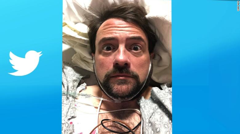 Kevin Smith suffers heart attack after show