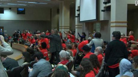 Students shout as FL Senate rejects weapons ban