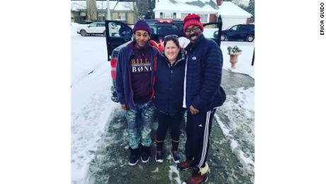 Erica Guido helped Eric Haley and Quantay Mendoza, who later decided to help Guido with deliveries.