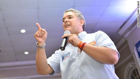 Colombia: A pocos días de elecciones Duque sigue siendo favorito