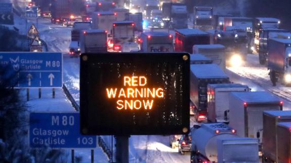 Blizzards brought traffic to a halt on one of Scotland's major motorways overnight.