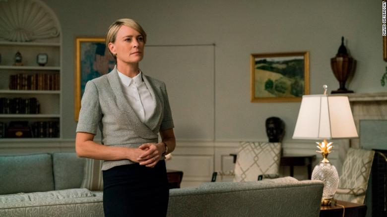 Robin Wright takes lead in new 'House of Cards' trailer