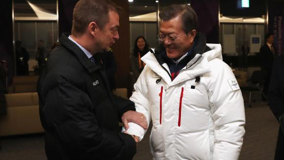 South Korean President Moon Jae-in meets with International Paralympic Committee President Andrew Parsons at the opening ceremony.