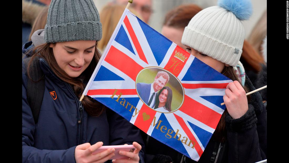 Crowds gather ahead of the couple's visit to Edinburgh, Scotland, in February 2018.