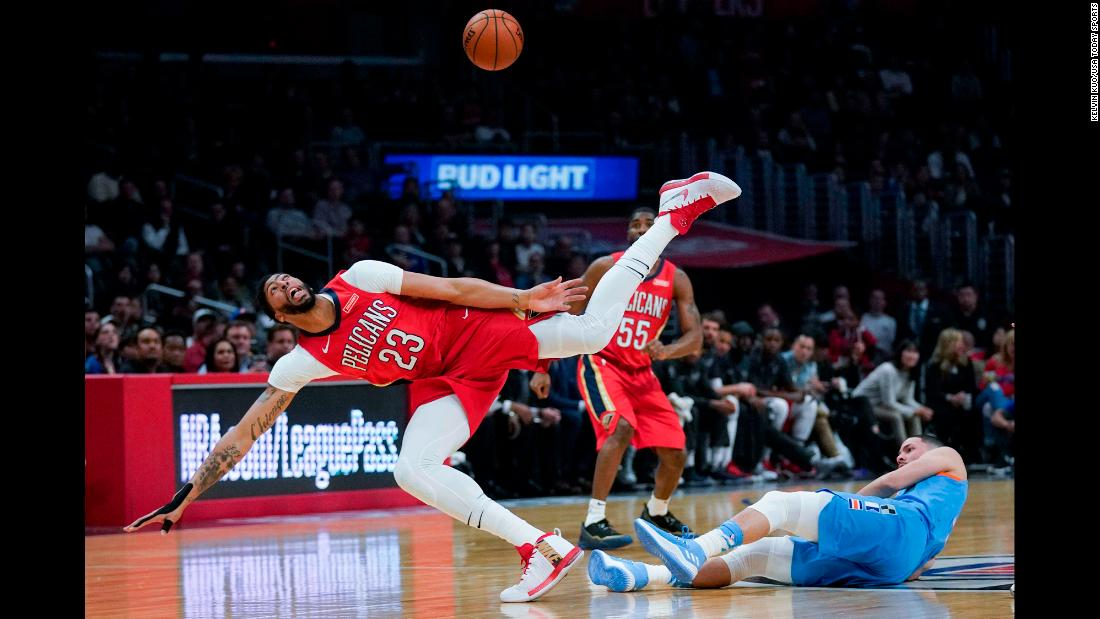New Orleans forward Anthony Davis, left, loses the ball during an NBA game in Los Angeles on Tuesday, March 6. Davis still had a game-high 41 points to lead the Pelicans to a 121-116 victory over the Clippers. It was their ninth straight win.