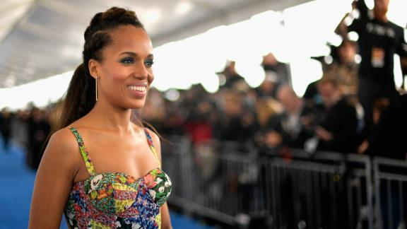Actor Kerry Washington gave fans her phone number on Twitter.