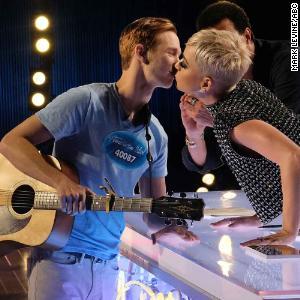 'Idol' contestant didn't love Katy Perry kiss