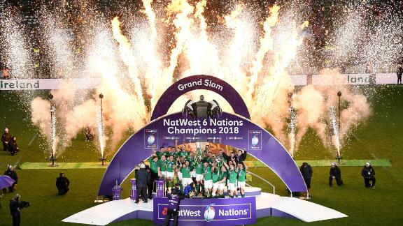 Ireland players celebrate an unbeaten Six Nations campaign after defeating England 15-24 at Twickenham.
