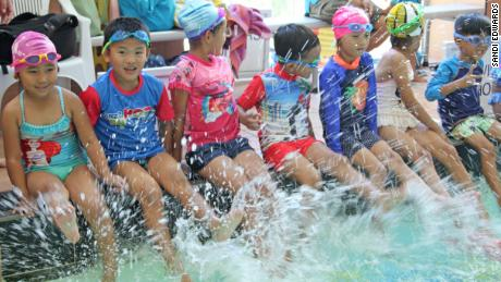 Around 40 members of Australia's Tibetan community took part in a water safety class run by Water Skills for Life at a swimming pool in the northern Sydney suburb of Dee Why in February.