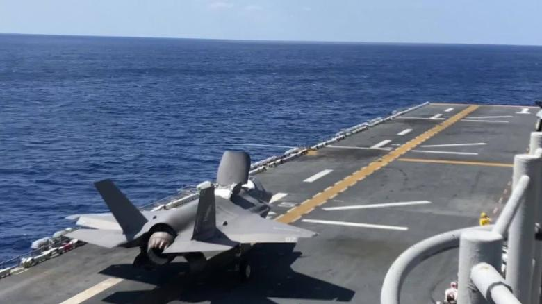US Marines show off F-35Bs in Pacific