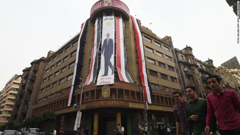 An election poster for President Sisi in central Cairo.