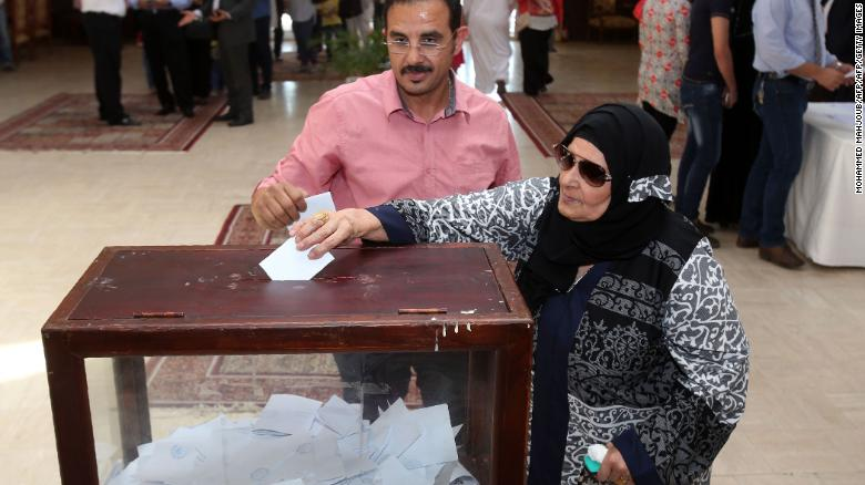 Egyptian expatriates living in Oman cast their ballot early for the election in Muscat, on March 16, 2018.