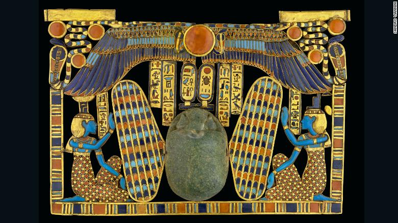 Sandro Vannini                    has been photographing the Valley of Kings in Egypt                    for over two decades. He used breakthroughs in                    technology to capture this ancient civilization in                    remarkable detail. <br /><br                    />This image shows the decoration of a large                    funerary scarab made from green semiprecious stone.