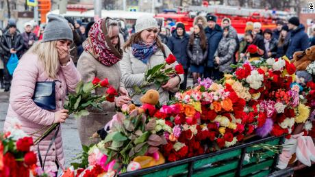 64 dead in Russia shopping center fire