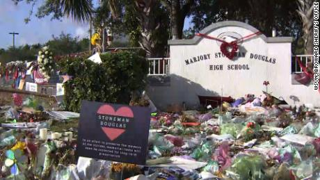 Parkland Stoneman Douglas memorial items removal