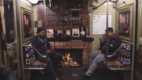 'Roseanne' set recreated in subway car