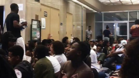 title: kf - Getting everyone situated for a sit-in #StudentPowerHU  duration: 05:39:42  site: Twitter  author: null  published: Wed Dec 31 1969 19:00:00 GMT-0500 (Eastern Standard Time)  intervention: yes  description: null