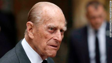 Prince Philip leaves British hospital after court therapy