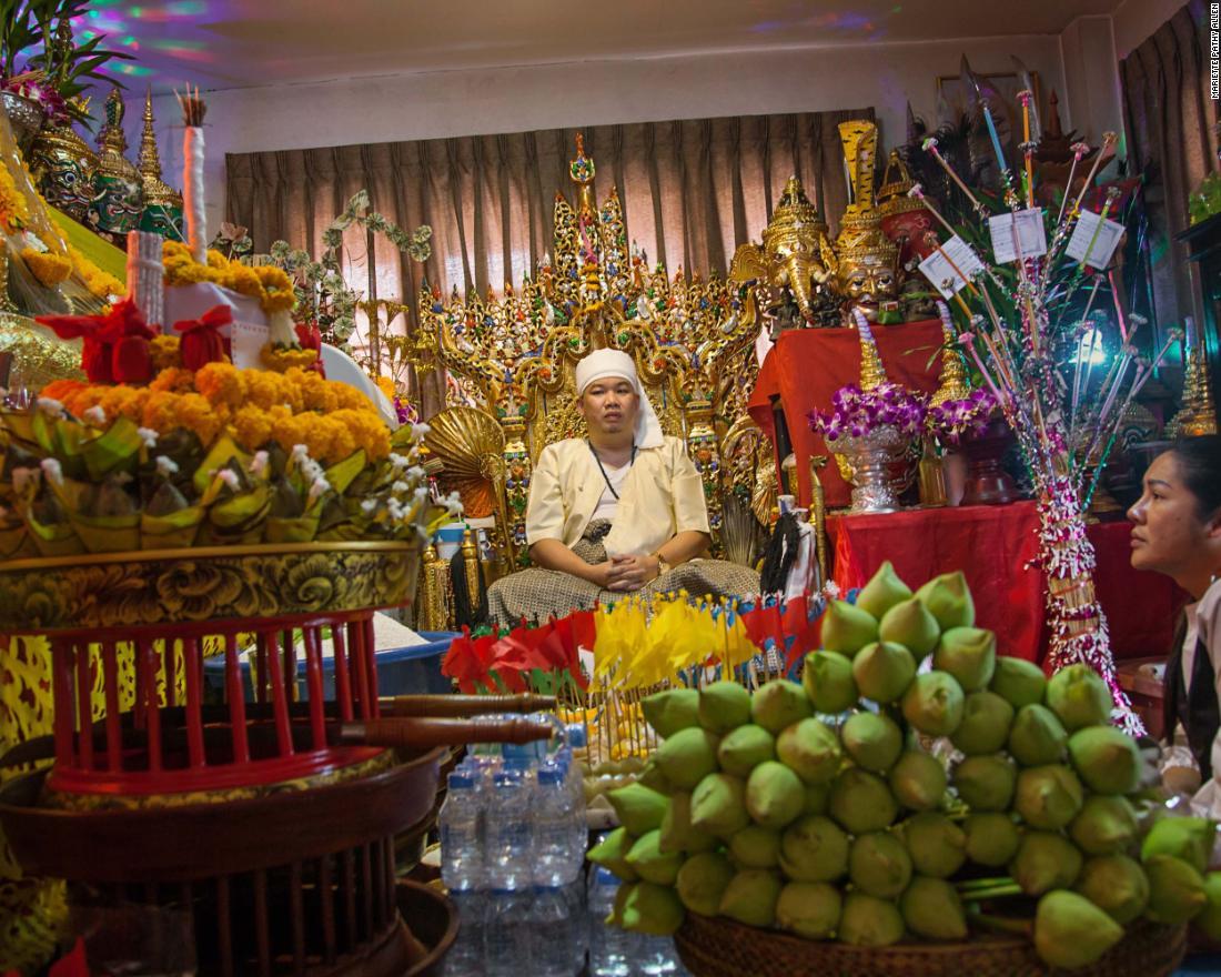 Myanmar's LGBT community find freedom at spirit festival - CNN