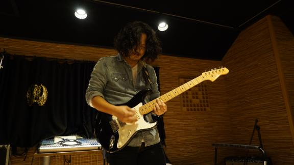 YB guitarist Heo Joon was almost barred from playing in Pyongyang, North Korea due to his then yellow hair.