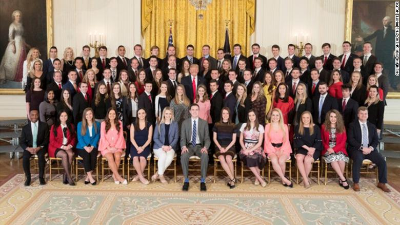 WH intern photo raises diversity questions