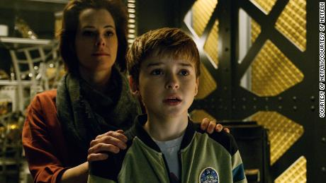 Parker Posey, Max Jenkins in 'Lost in Space'