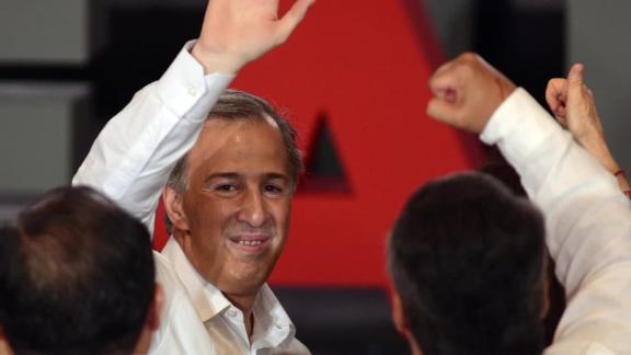 Jose Antonio Meade on the campaign trail.