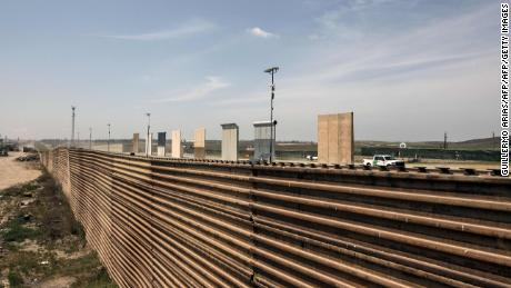 Report: Trump administrator at risk of spending billions on border wall
