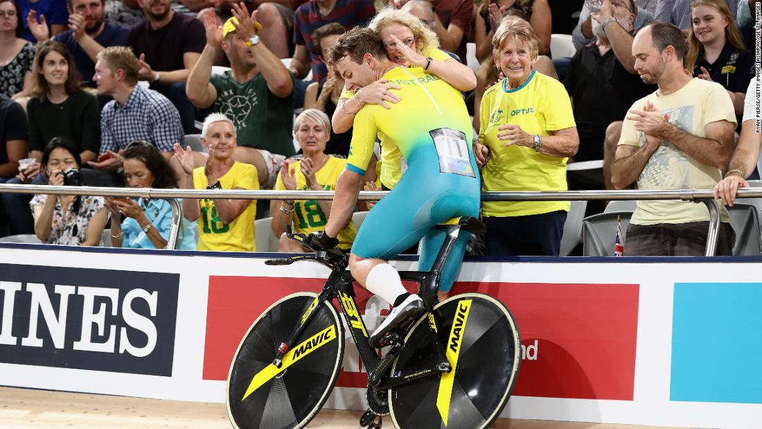 Sam Welsford of Australia celebrates winning gold in the men's 4000m team pursuit gold final.