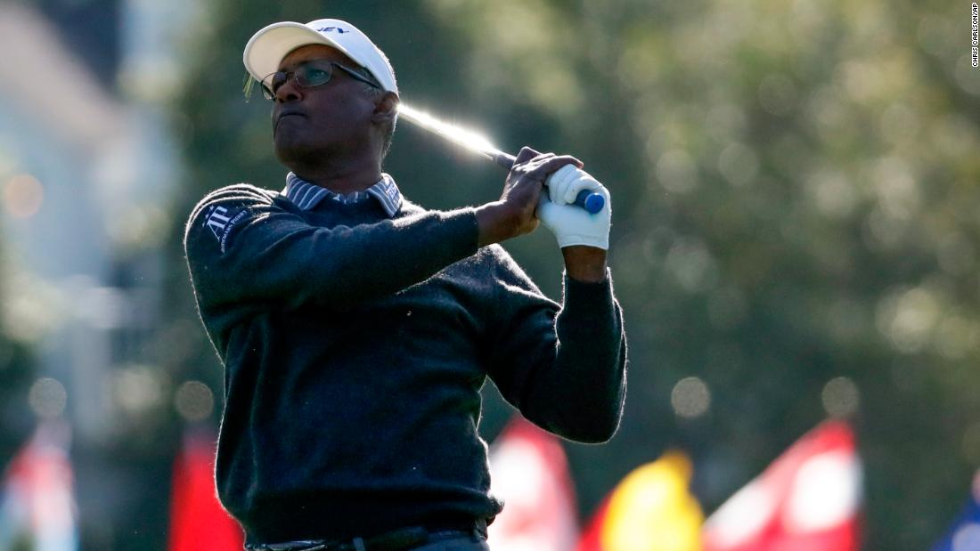Vijay Singh, the Masters champion in 2000, jumped out to an early lead on Thursday morning.