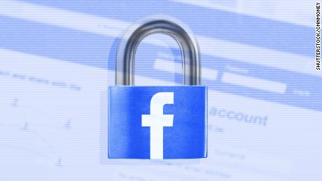 Facebook rolls out privacy changes amid data scandal