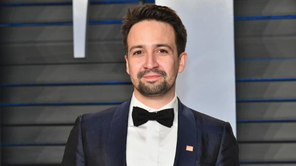 BEVERLY HILLS, CA - MARCH 04:  Lin-Manuel Miranda attends the 2018 Vanity Fair Oscar Party hosted by Radhika Jones at Wallis Annenberg Center for the Performing Arts on March 4, 2018 in Beverly Hills, California.  (Photo by Dia Dipasupil/Getty Images)