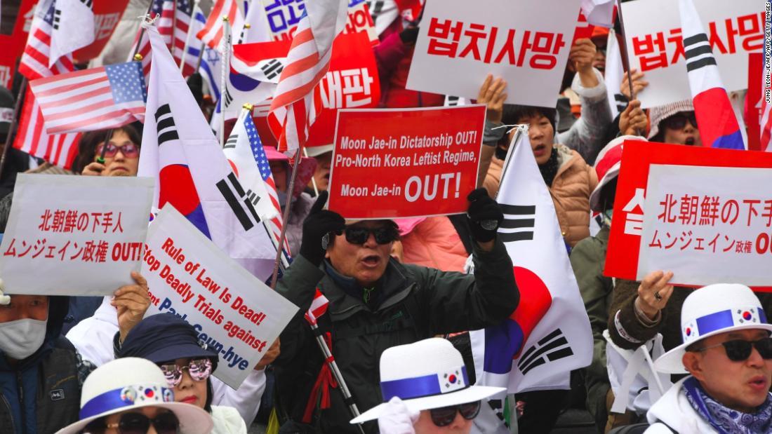 Former South Korean President Park sentenced to 24 years in prison – Trending Stuff