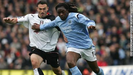 LONDON - APRIL 16: Steed Malbranque of Fulham and Kiki Musampa of Man City in action during the Barclays Premiership League match between Fulham and Manchester City at Craven Cottage on April 16, 2005, in London, England.  (Photo by Ben Radford/Getty Images)