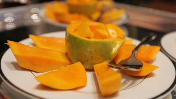 With no samples testing positive for more than three pesticides, papayas take seventh place on the list of clean fruits and veggies. The Environmental Working Group found that eight out of every 10 had no pesticide residues.