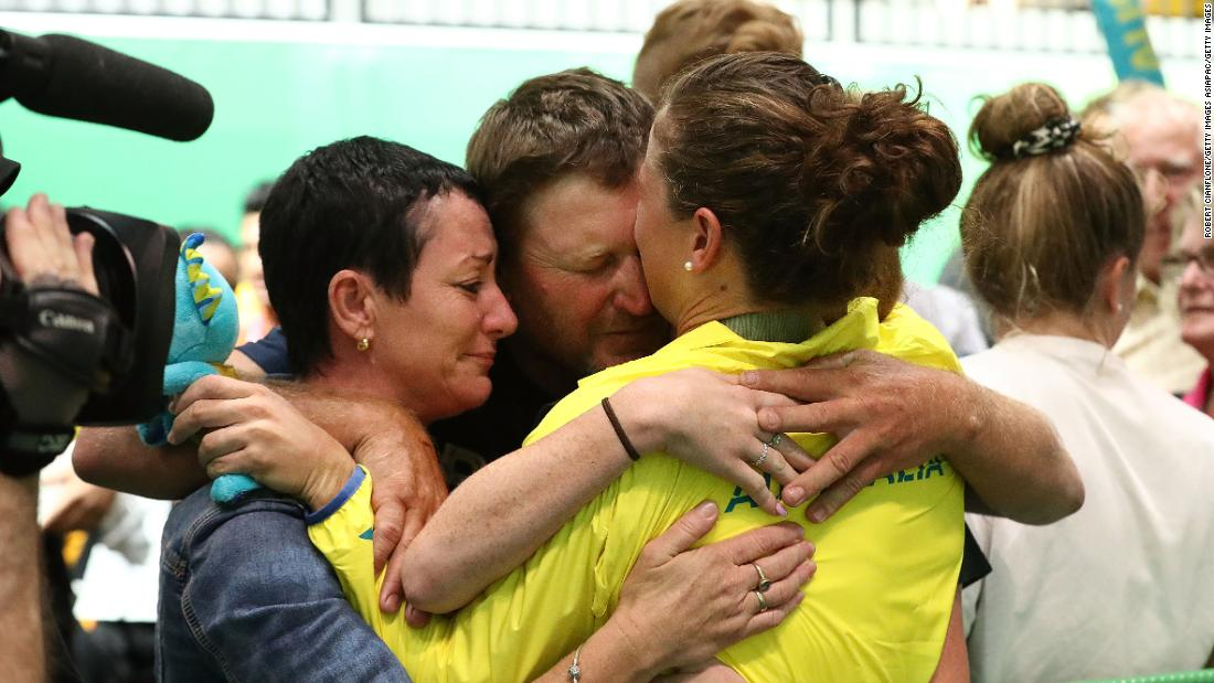 "Toomey embraces her family following her win. ""I made the decision not to see family prior to the Games so I'm solely focused on the Games,"" she told CNN Sport. ""As soon as I saw my uncle and auntie, mum and dad, the emotions just hit hard after I got off the dice."""
