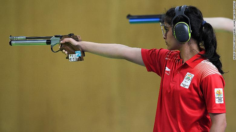 16 year old breaks commonwealth games record to win shooting gold