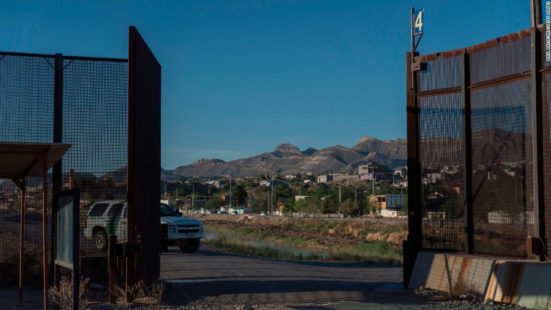 Migrant caravan: 800 US troops could be sent to Mexico border  - CNNPolitics