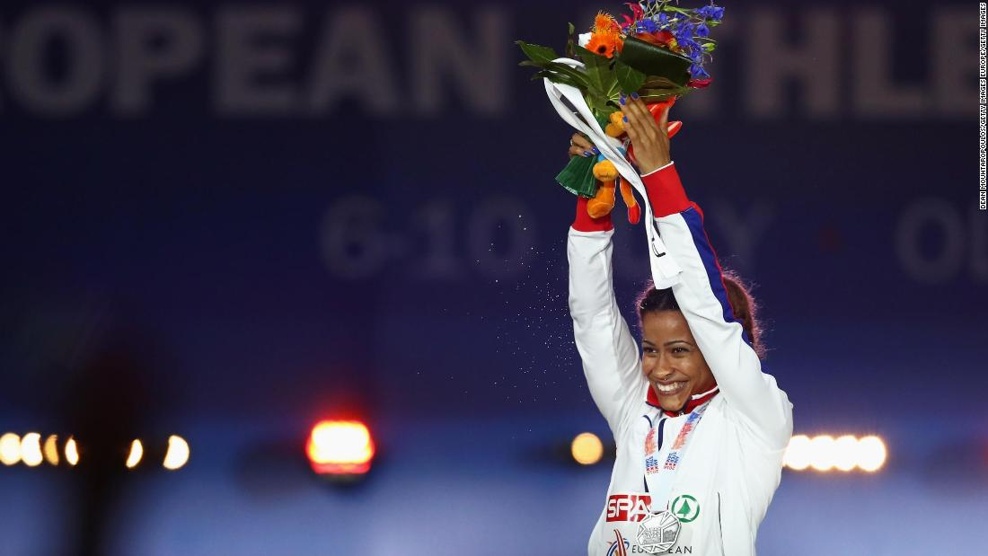 The 23-year-old Sawyers followed up her Commonwealth Games success with another silver, at the 2016 European Championships.