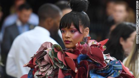 Rihanna arrives for the Costume Institute Benefit on May 1, 2017 at the Metropolitan Museum of Art in New York.  / AFP PHOTO / ANGELA WEISS        (Photo credit should read ANGELA WEISS/AFP/Getty Images)