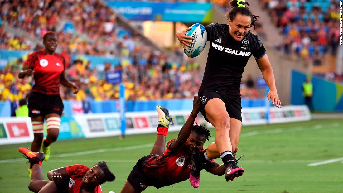 As well as being defending world champions, the Kiwis also won the 2016-17 World Rugby Women's Sevens Series.