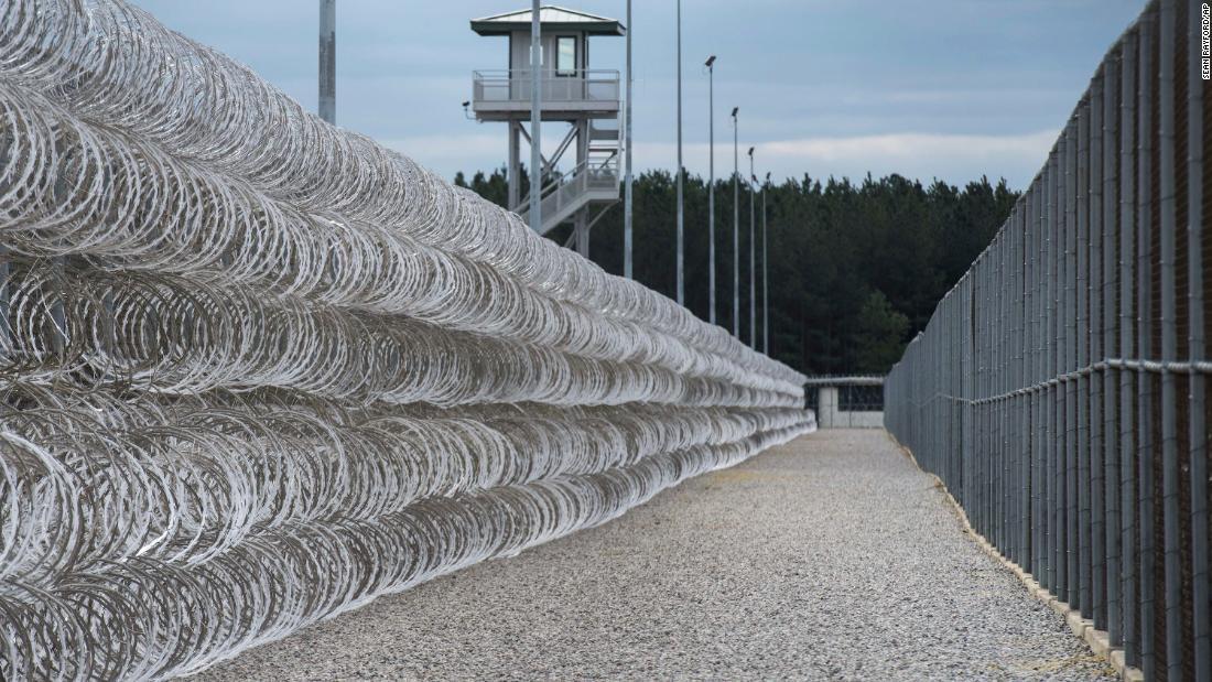 7 inmates killed in South Carolina prison violence
