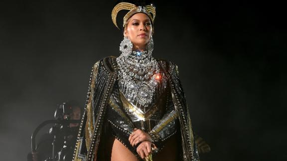 Beyonce Knowles performs onstage during 2018 Coachella Valley Music And Arts Festival Weekend 1 at the Empire Polo Field on April 14, 2018 in Indio, California.  (Photo by Larry Busacca/Getty Images for Coachella )