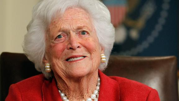 HOUSTON, TX - MARCH 29:  Barbara Bush talks with Republican presidential candidate, former Massachusetts Gov. Mitt Romney at Former President George H. W. Bush