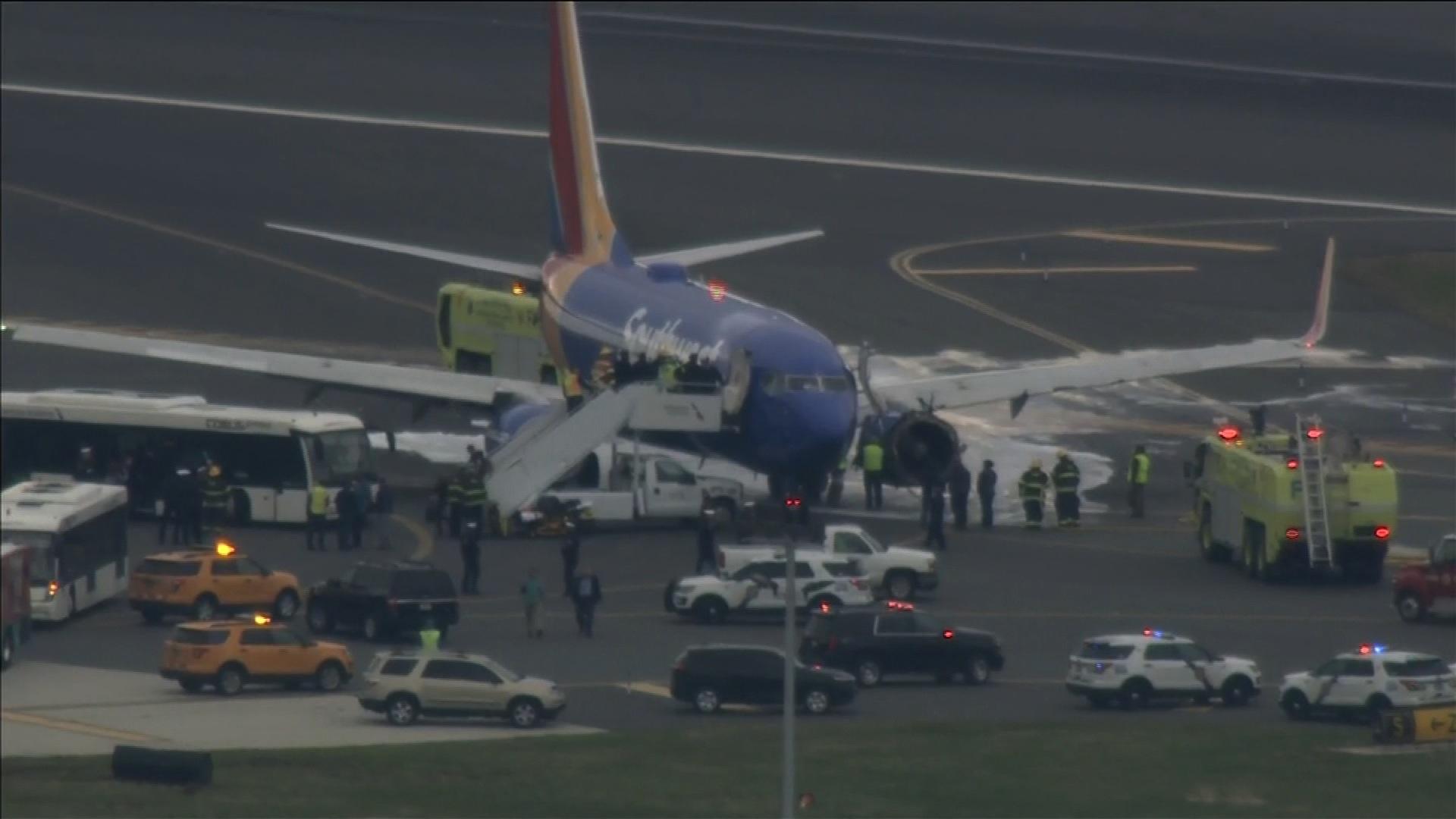 Southwest Flight Makes Emergency Landing Cnn Video