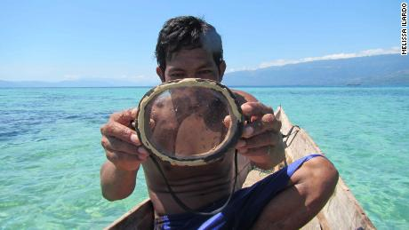 Some Bajau divers wear wooden diving masks and goggles.