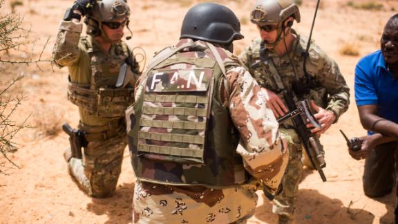 Nigerien Armed Forces conduct a key leader engagement training with 20th Special Forces Group in Niger on April 16, 2018. (US Army photo by Staff Sgt. Jeremiah Runser)
